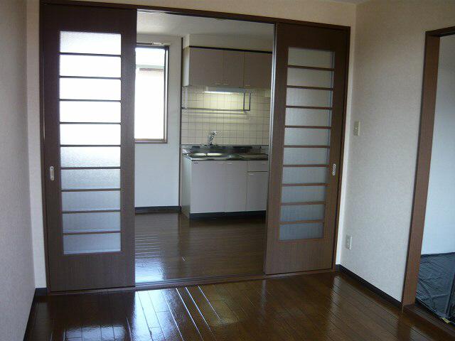 物件番号: 1110300132 アプリカード吟  富山市中冨居 2DK アパート 画像2