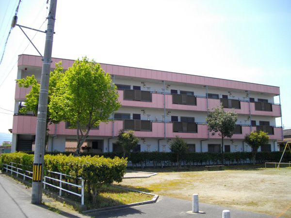 物件番号: 1110300211 エスタシオン  富山市堀 3DK マンション 外観画像