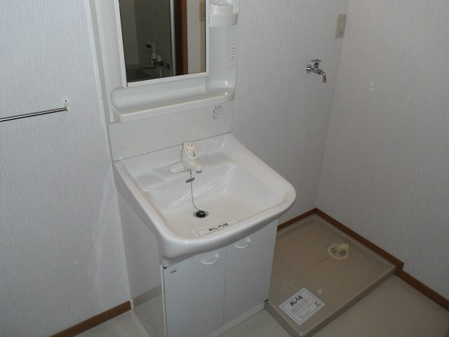物件番号: 1110300227 グランディールⅡ  富山市山室荒屋 2LDK アパート 画像4
