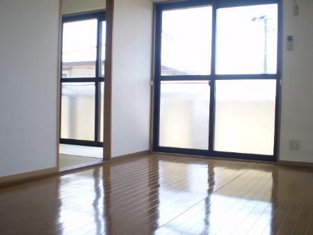 物件番号: 1110300407  富山市堀川 2LDK アパート 画像1