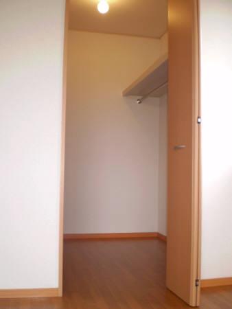 物件番号: 1110300438 リシェス・オカザキ  富山市黒崎 1LDK アパート 画像2
