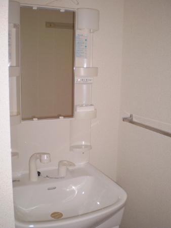 物件番号: 1110307973 セジュール経堂 A棟  富山市経堂 1LDK アパート 画像3