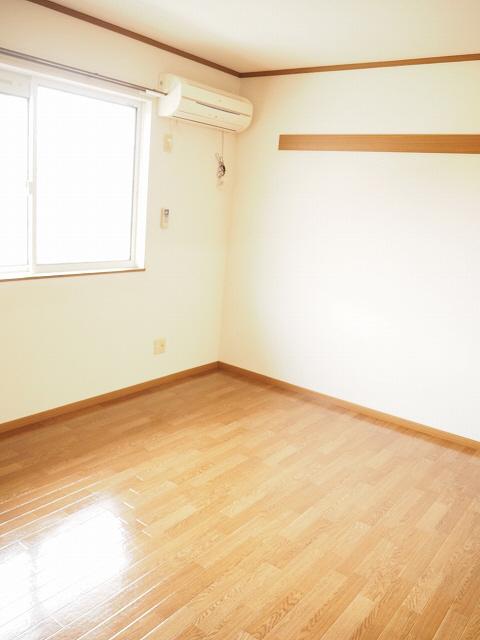 物件番号: 1110300684 グランディールⅢ  富山市山室荒屋 2LDK アパート 画像2