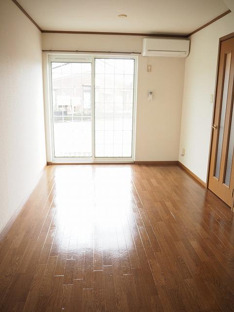 物件番号: 1110300684 グランディールⅢ  富山市山室荒屋 2LDK アパート 画像4
