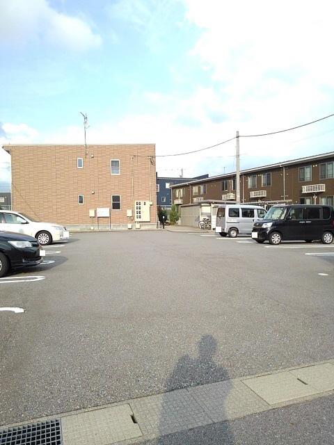 物件番号: 1110300733 ドゥ・ファミーユC  富山市常盤台 2LDK アパート 画像14