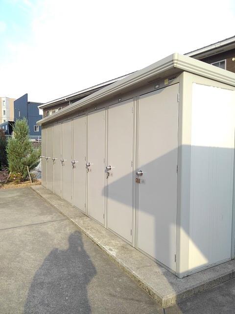 物件番号: 1110300733 ドゥ・ファミーユC  富山市常盤台 2LDK アパート 画像15