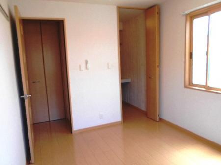 物件番号: 1110300803 リシェス・オカザキⅢ  富山市黒崎 1LDK アパート 画像4