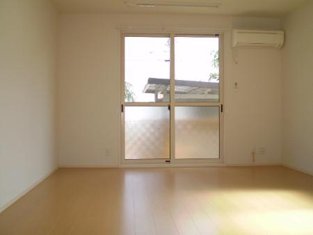 物件番号: 1110300817 ドゥ・プランタン  富山市上袋 1LDK アパート 画像2
