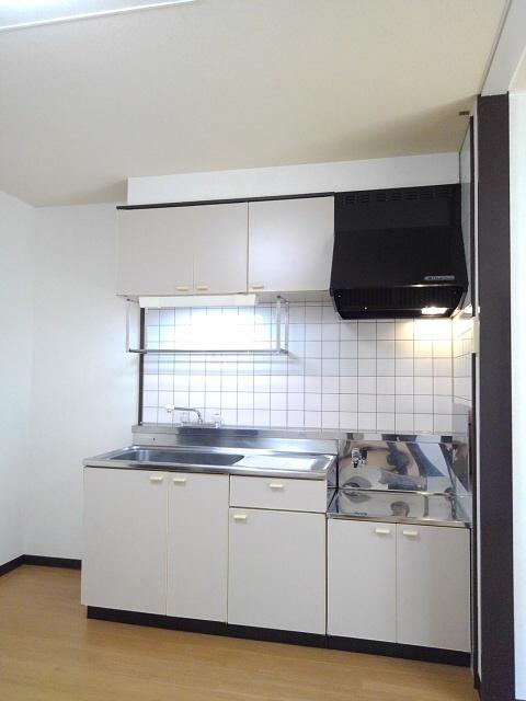 物件番号: 1110301241 ビューレンゲB  富山市上飯野 2LDK アパート 画像2