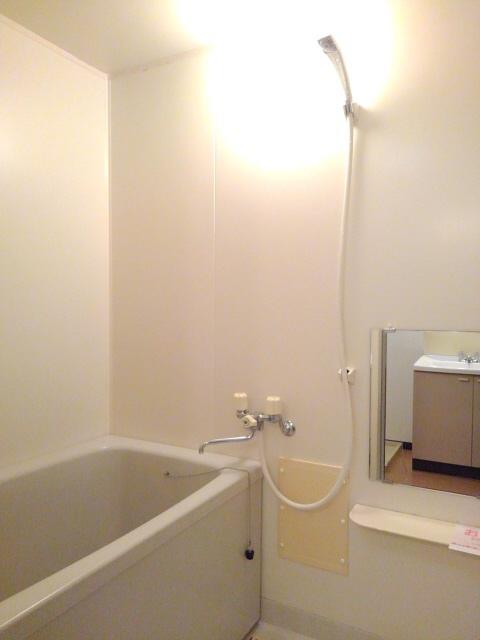物件番号: 1110301241 ビューレンゲB  富山市上飯野 2LDK アパート 画像3