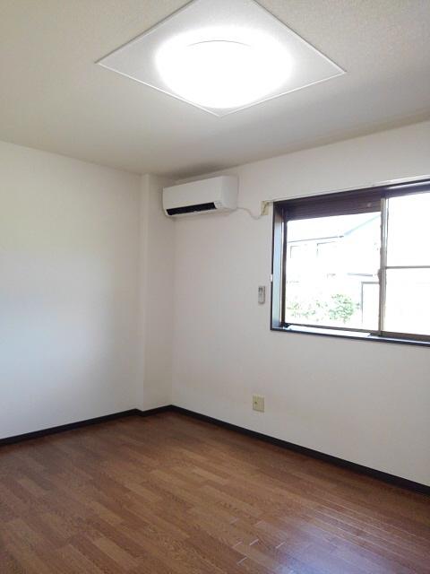 物件番号: 1110301241 ビューレンゲB  富山市上飯野 2LDK アパート 画像4