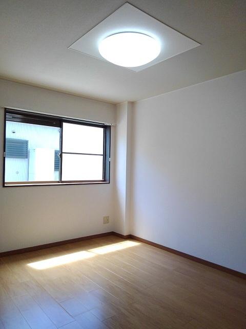 物件番号: 1110301241 ビューレンゲB  富山市上飯野 2LDK アパート 画像5