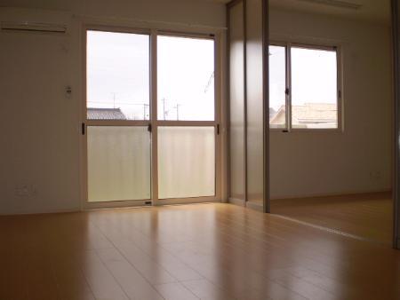 物件番号: 1110301736 グランモア  富山市藤木 1LDK アパート 画像1