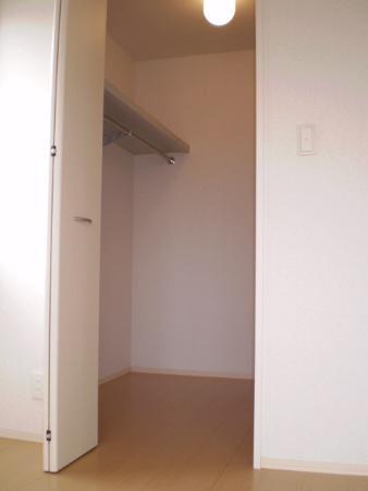 物件番号: 1110301736 グランモア  富山市藤木 1LDK アパート 画像3