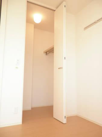 物件番号: 1110303502 グランモア愛宕Ⅱ  富山市愛宕町1丁目 1LDK アパート 画像3