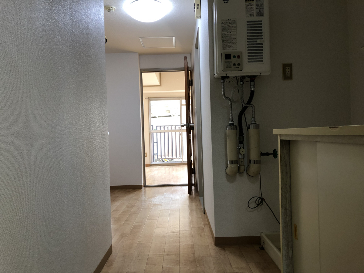 物件番号: 1110301720  富山市五番町 1K マンション 画像1