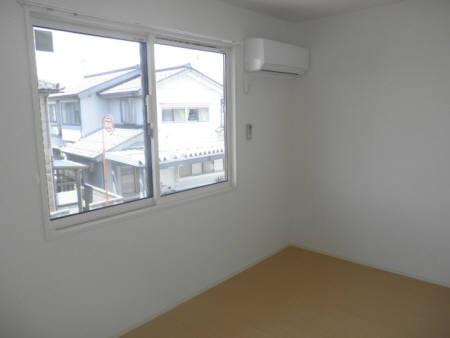 物件番号: 1110301808  富山市米田町2丁目 2LDK アパート 画像1
