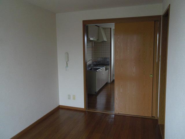 物件番号: 1110301869 サニーサイド松ヶ丘  富山市山室荒屋 2DK アパート 画像11