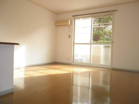 物件番号: 1110301895 サン・シャレ―山室  富山市山室 2LDK アパート 画像2