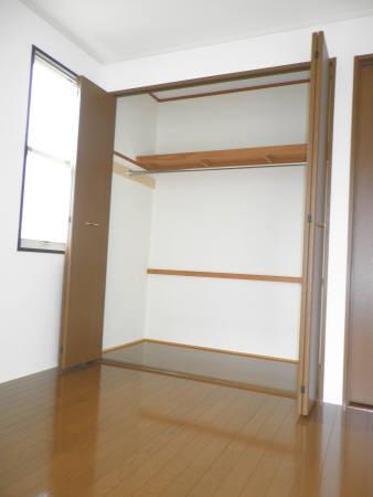 物件番号: 1110301895 サン・シャレ―山室  富山市山室 2LDK アパート 画像3