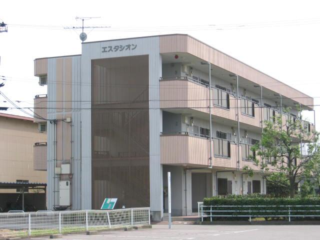 物件番号: 1110301981 エスタシオン  富山市堀 3DK マンション 外観画像