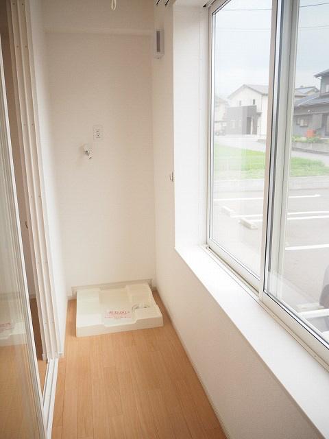 物件番号: 1110302037 アメージング藍  富山市本郷町水上割 1K アパート 画像8