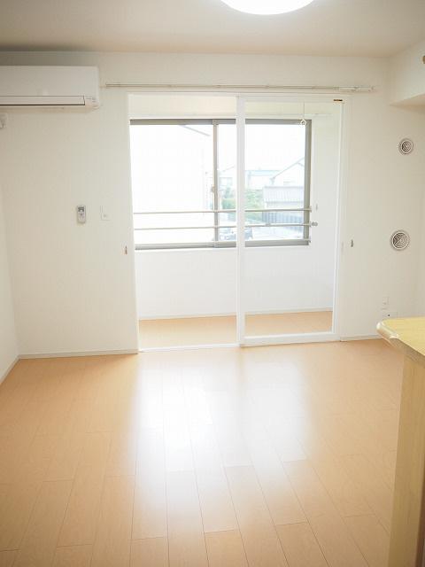 物件番号: 1110302045 アルナージュ  富山市常盤台 1LDK アパート 画像1