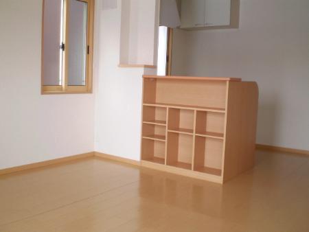 物件番号: 1110302914  富山市経田 2LDK アパート 画像2