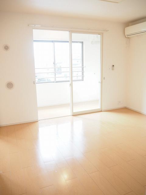 物件番号: 1110302400 サンシーロ  富山市常盤台 3LDK アパート 画像1