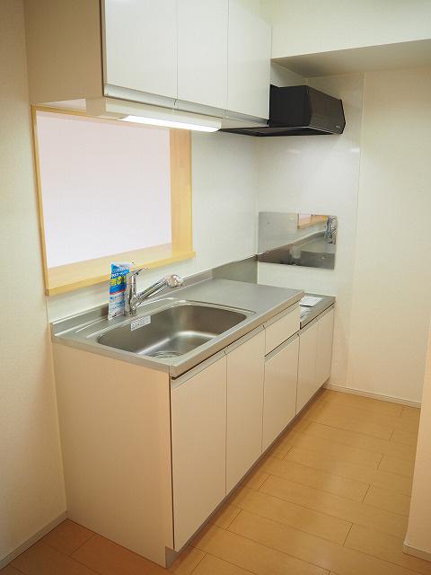 物件番号: 1110302400 サンシーロ  富山市常盤台 3LDK アパート 画像2