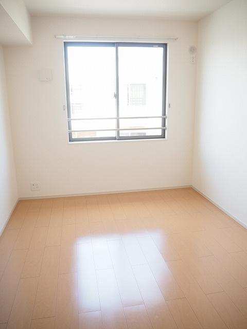 物件番号: 1110302400 サンシーロ  富山市常盤台 3LDK アパート 画像4