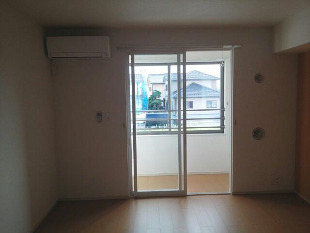 物件番号: 1110302489  富山市天正寺 1LDK アパート 画像4