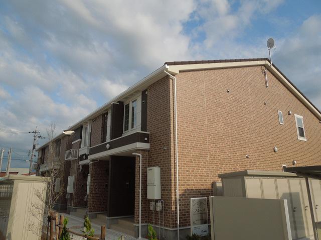 物件番号: 1110302492 ブルーメ  富山市新庄北町 1LDK アパート 外観画像