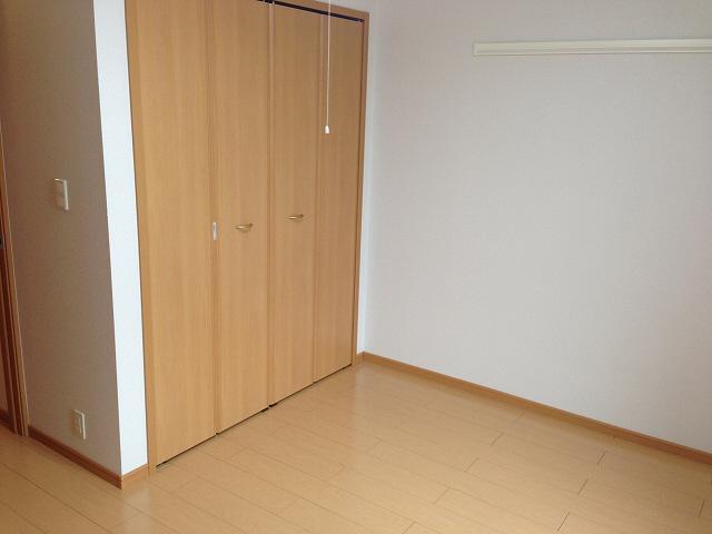 物件番号: 1110303651 ゼファーⅤ  富山市上大久保 1LDK アパート 画像1