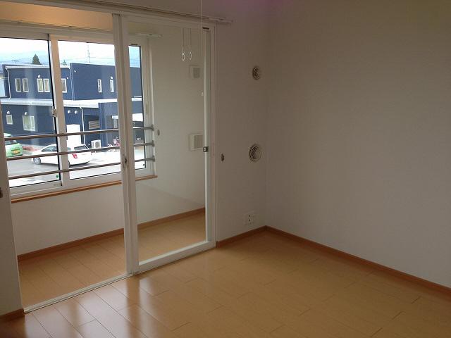 物件番号: 1110303651 ゼファーⅤ  富山市上大久保 1LDK アパート 画像4