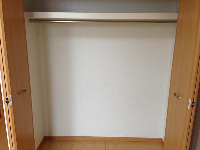 物件番号: 1110303651 ゼファーⅤ  富山市上大久保 1LDK アパート 画像6