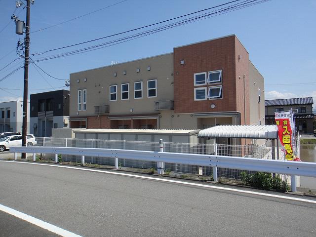 物件番号: 1110304810 ドゥ・ステージア  富山市藤木 1LDK アパート 外観画像