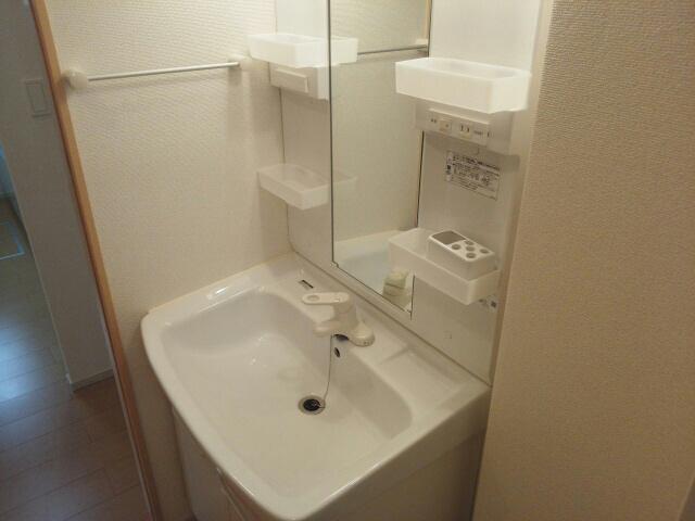 物件番号: 1110302800 ドゥ・ファミーユC  富山市常盤台 2LDK アパート 画像8