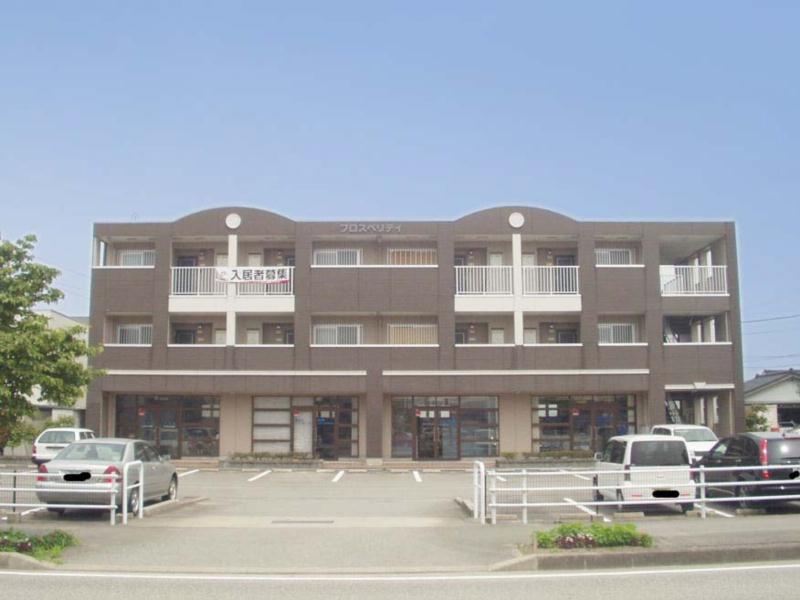 物件番号: 1110304635 プロスペリティ  富山市萩原 2LDK マンション 外観画像