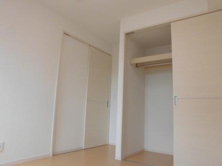 物件番号: 1110303083 D-room本郷新Ⅱ  富山市本郷新 1LDK アパート 画像3
