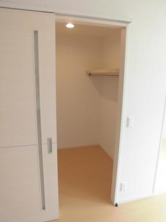 物件番号: 1110303083 D-room本郷新Ⅱ  富山市本郷新 1LDK アパート 画像5
