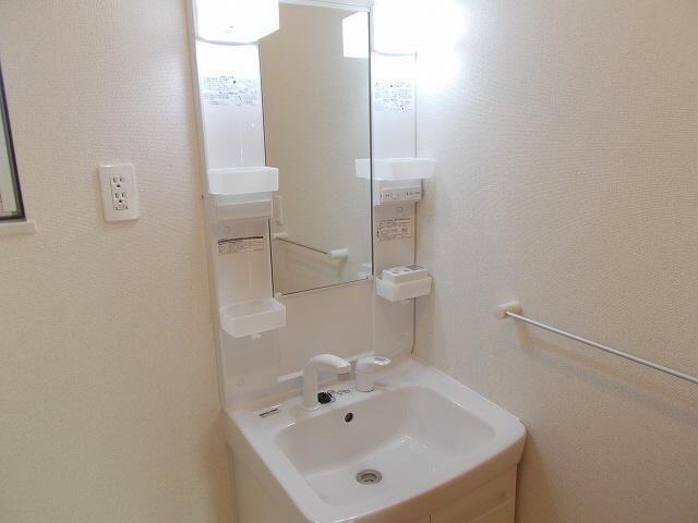 物件番号: 1110308472 グランMIKI手屋  富山市手屋1丁目 1LDK アパート 画像6