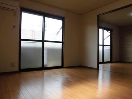 物件番号: 1110303325 フォレストピアⅡ  富山市布瀬町南1丁目 2LDK アパート 画像1