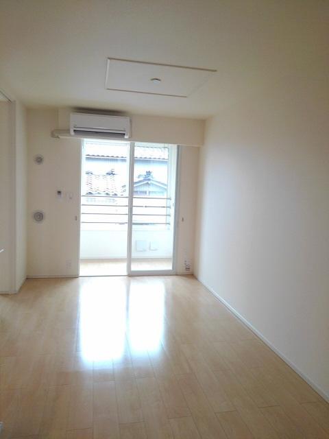 物件番号: 1110303344 アルモニーA  富山市赤田 2LDK アパート 画像1