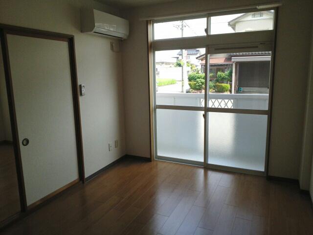 物件番号: 1110303818 ビレッヂ・アイ  富山市綾田町1丁目 2DK アパート 画像4