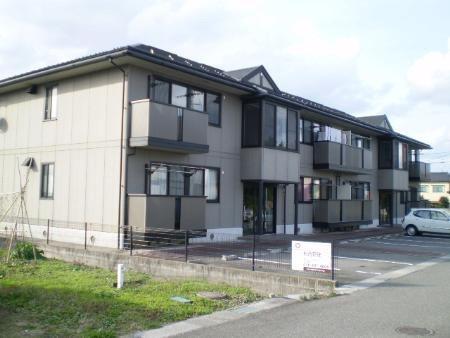 物件番号: 1110308660 リヴェールハウス  富山市堀川町 2DK アパート 外観画像