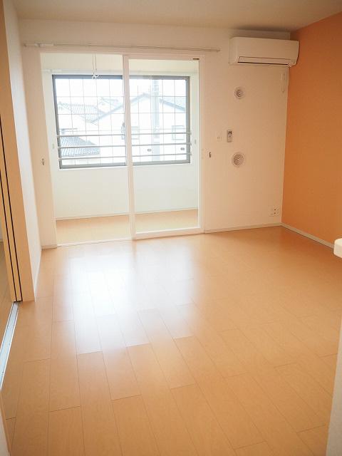 物件番号: 1110304774 グランMIKI常盤台Ⅱ  富山市常盤台 2LDK アパート 画像1