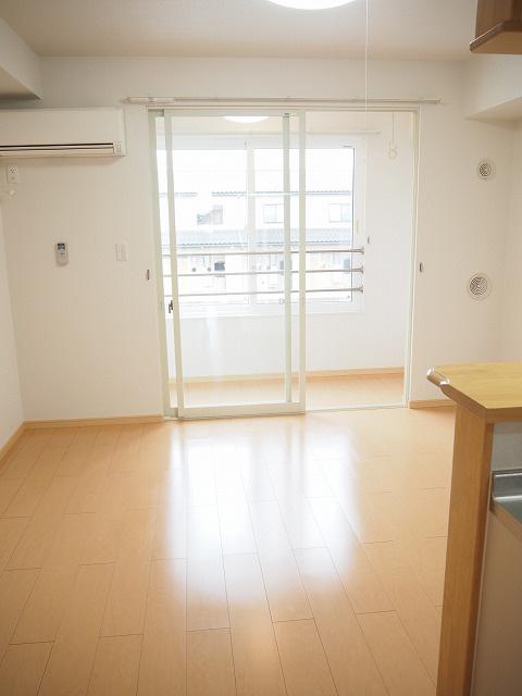 物件番号: 1110304810 ドゥ・ステージア  富山市藤木 1LDK アパート 画像1