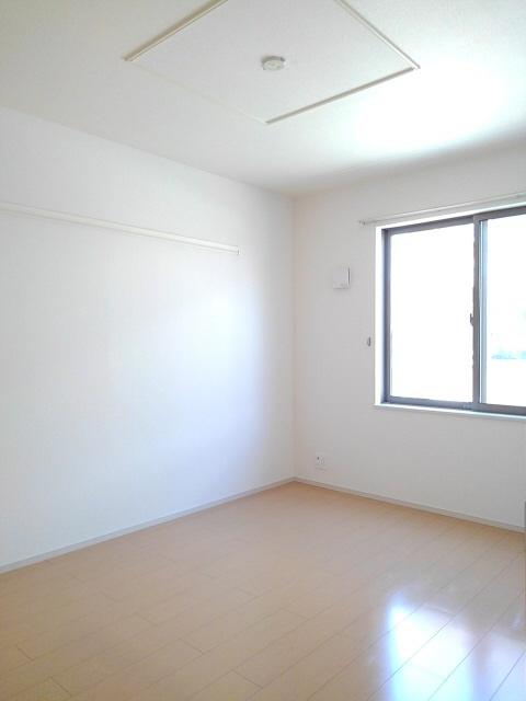 物件番号: 1110305487 ドゥ・ファミーユC  富山市常盤台 2LDK アパート 画像8
