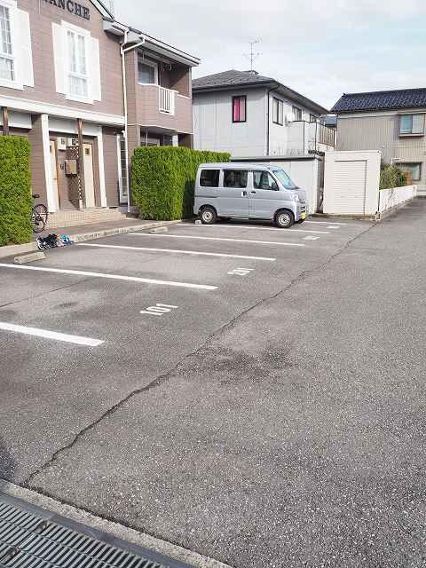 物件番号: 1110308474 シェルブランシェ  富山市小杉 2LDK アパート 画像12